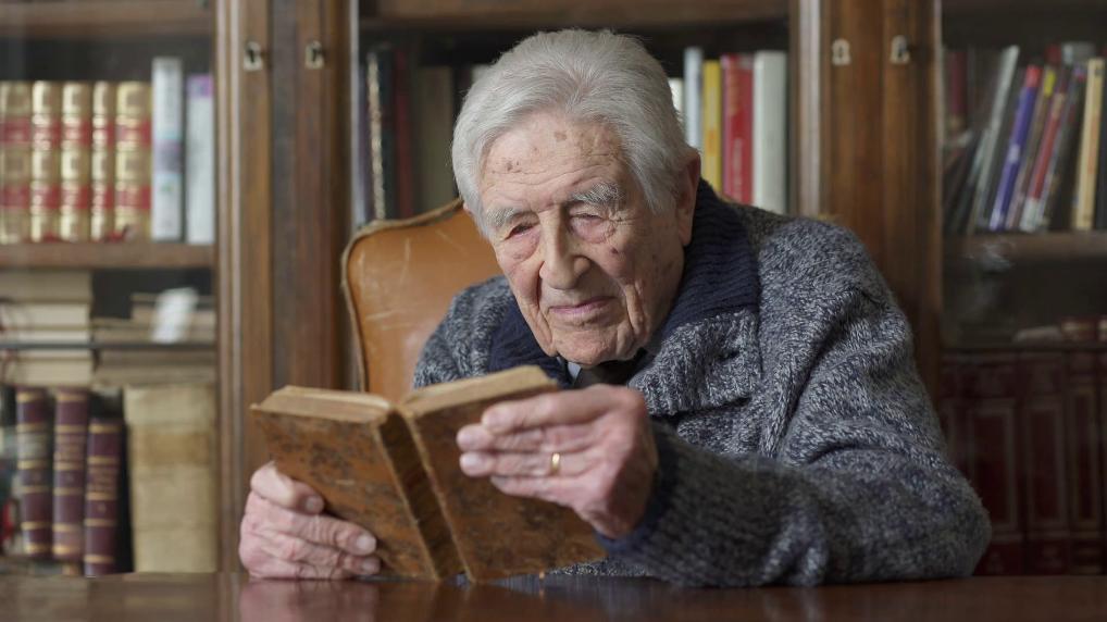 Старац и књига